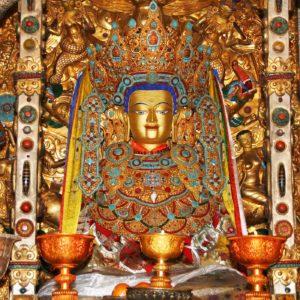 Статуя Будды в Лхасе